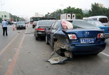 高速遇到前车急刹车,高速违章查询,违章查询网,高速开车技巧,高速开车注意事项