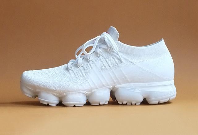 u=426879947,122466332&fm=173&app=25&f=JPEG?w=640&h=438&s=ECA486554E2B690F388984DB03004039 - 隨著穿著不斷變化!這雙 Nike Air Vapormax 小白鞋與