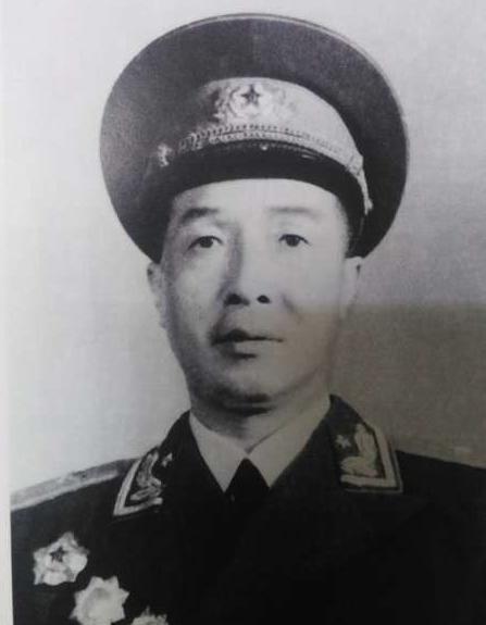 何廷一将军简介