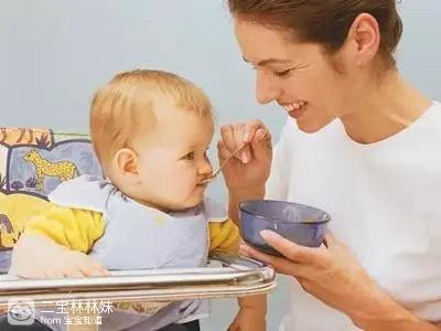 宝宝几个月之后吃水果泥最好?
