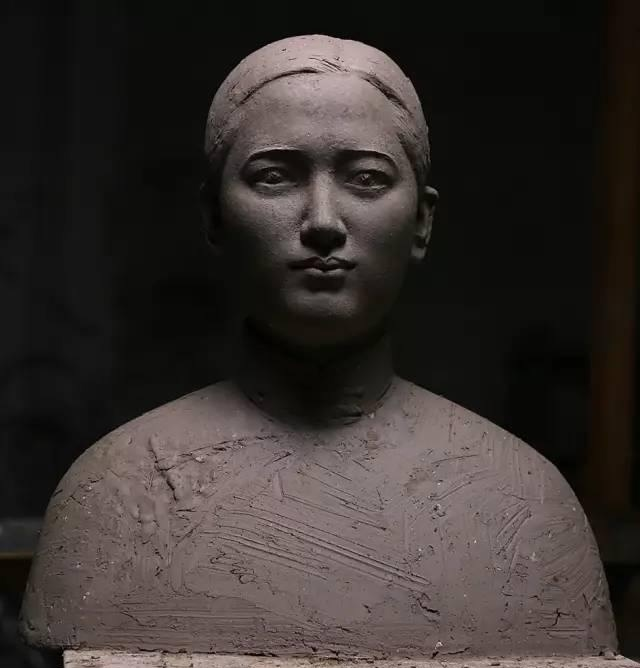 宋庆龄铸铜人物肖像雕塑