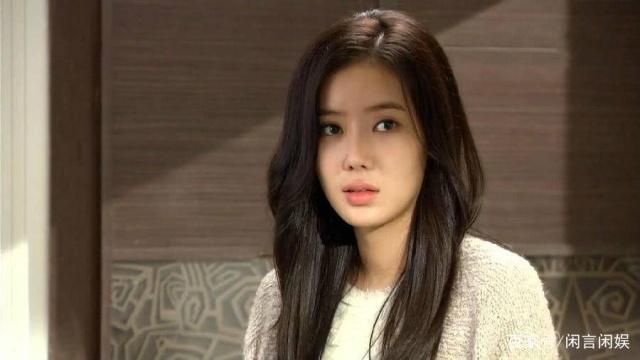 被称为宋慧乔接班人,21岁演穷家女走红,29岁却被吐槽脸僵?