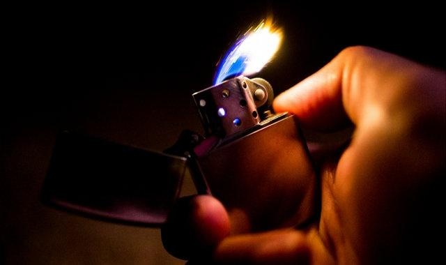 Zippo 把打火机的经典声音注册成了商标,还推出了 ASMR 广告片