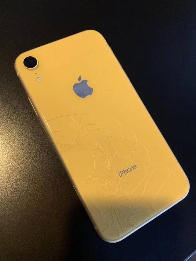 iPhone XR首碎,换个背壳要一台小米MIX3的价钱