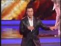 孙红雷、杨洋现场尬舞,太劲爆了,颜王不愧是当年的东北舞..._爱...